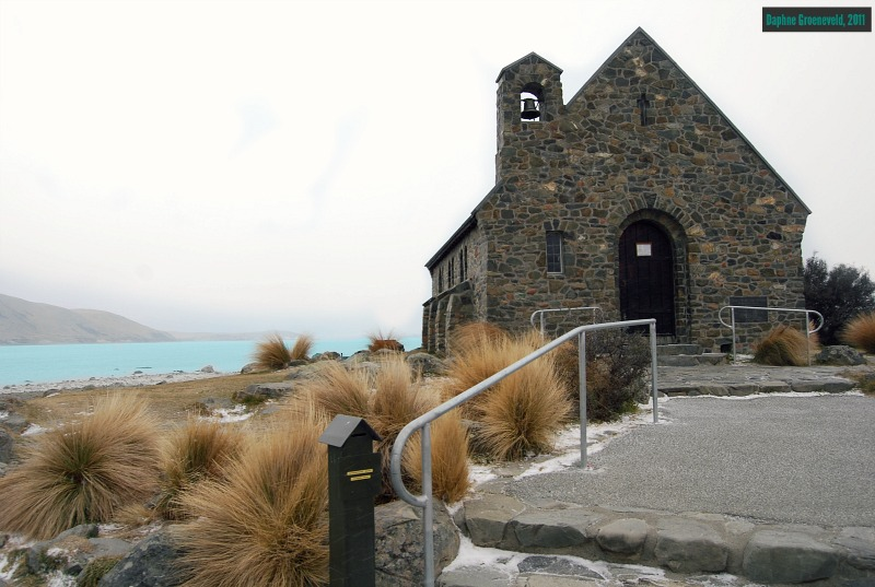 The Church of the Good Shepperd at Lake Tekapo, NZL via www.traveloclock.nl
