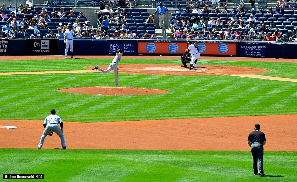When in NY, head to the Yankee Stadium for a game of baseball | via It's Travel O'Clock