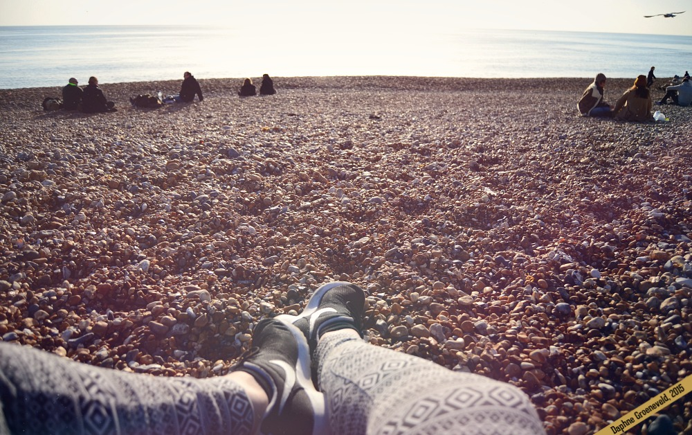 Relax at the beach of Brighton | via It's Travel O'Clock