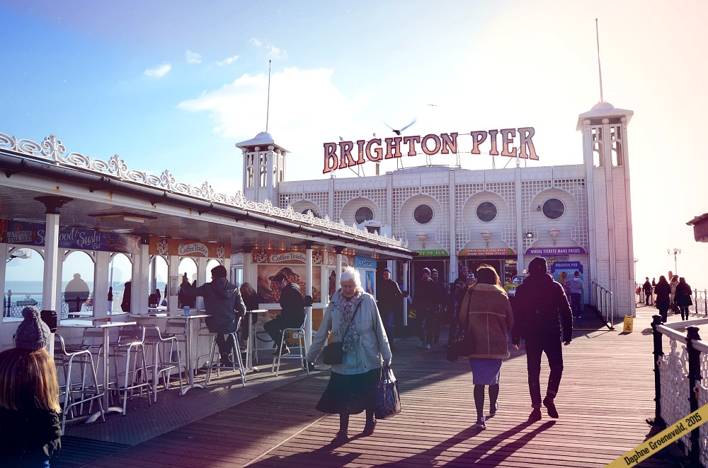 Visit the iconic pier in Brighton, England | It's Travel O'Clock
