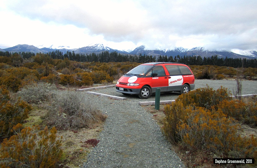Camping in the middle of nature at the DOC-campsites in New Zealand | via It's Travel O'Clock
