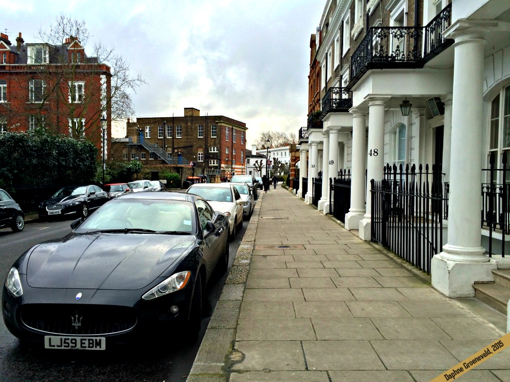 London townhouses | via It's Travel O'Clock
