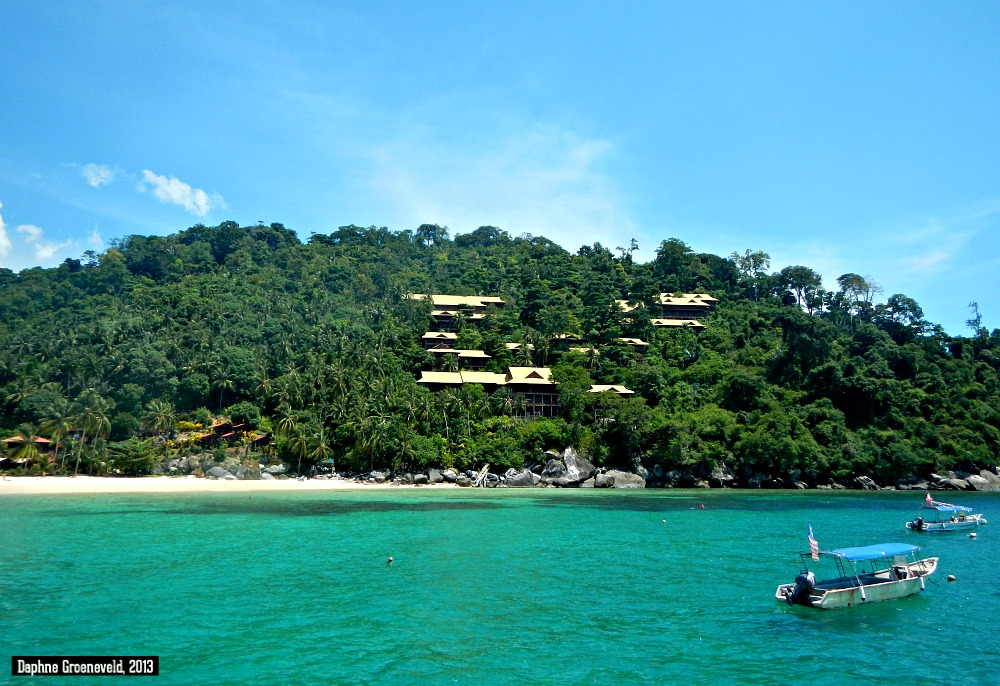 Pulau Tioman, Malysia | via It's Travel O'Clock