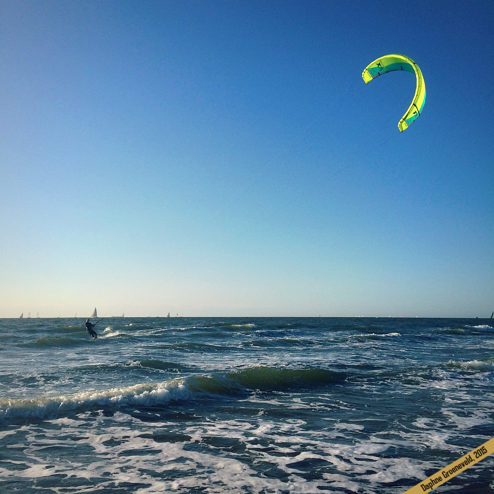 Kite surfers at Scheveningen Beach in the Netherlands | via It's Travel O'Clock