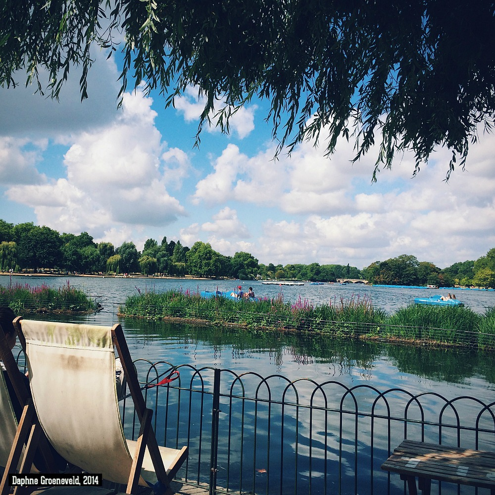 The Serpentine, Hyde Park, London | via It's Travel O'Clock