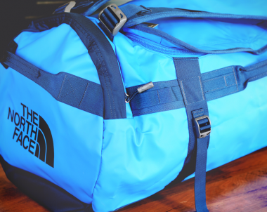Duffel van The Northface via Duifhuizen | via It's Travel O'Clock